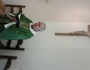 2013-11-28 D. LUIGI MANSI IN PREGHIERA