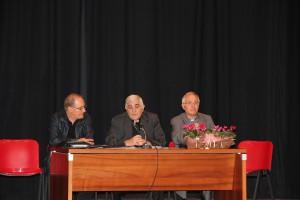 7° Incontro Regionale preti e diaconi in Sardegna: don Nino Carta, delegato regionale, Mons. Paolo Atzei, arcivescovo di Sassari, don Luigi Mansi, presidente nazionale UAC