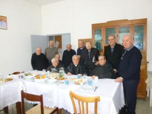 I partecipanti al Cenacolo di Camerino con l'Arcivescovo Mons. Francesco Giovanni Brugnaro a conclusione dell'agape fraterna