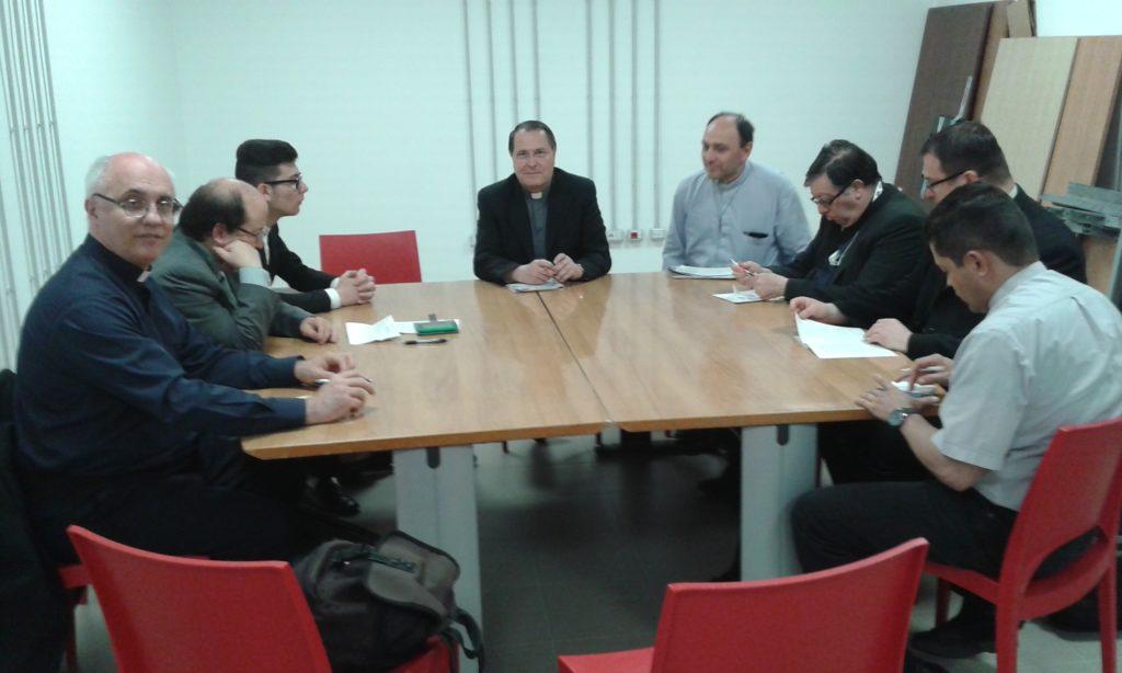 S. E. Mons. Clangore La Piana nel dialogo con i presbiteri dell'UAC