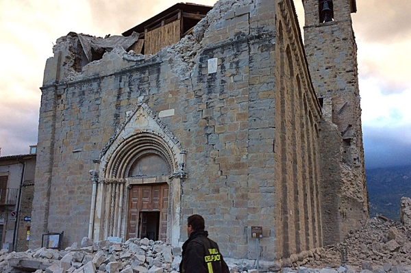 terremoto chiesa crollata