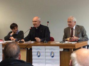 Dott.sa Pina De Simone, don Stefano Rosati moderatore e dott. Marco Tarquinio durante la relazione a due voci