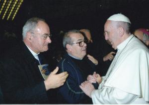 don Ninè Valdini vice Presidente Area Sud saluta Papa Francesco insieme a don Luigino Scarponi Consigliere dell'Area Centro